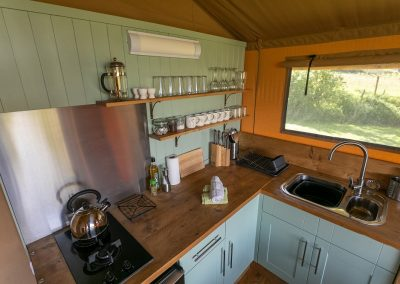 Oak glamping tent_kitchen