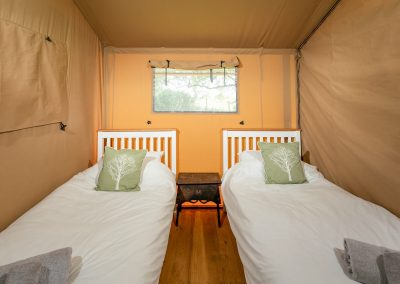 Oak glamping tent_twin bedroom