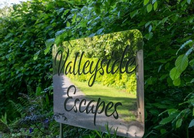 Valleyside Escapes_glamping in Devon_entrance sign