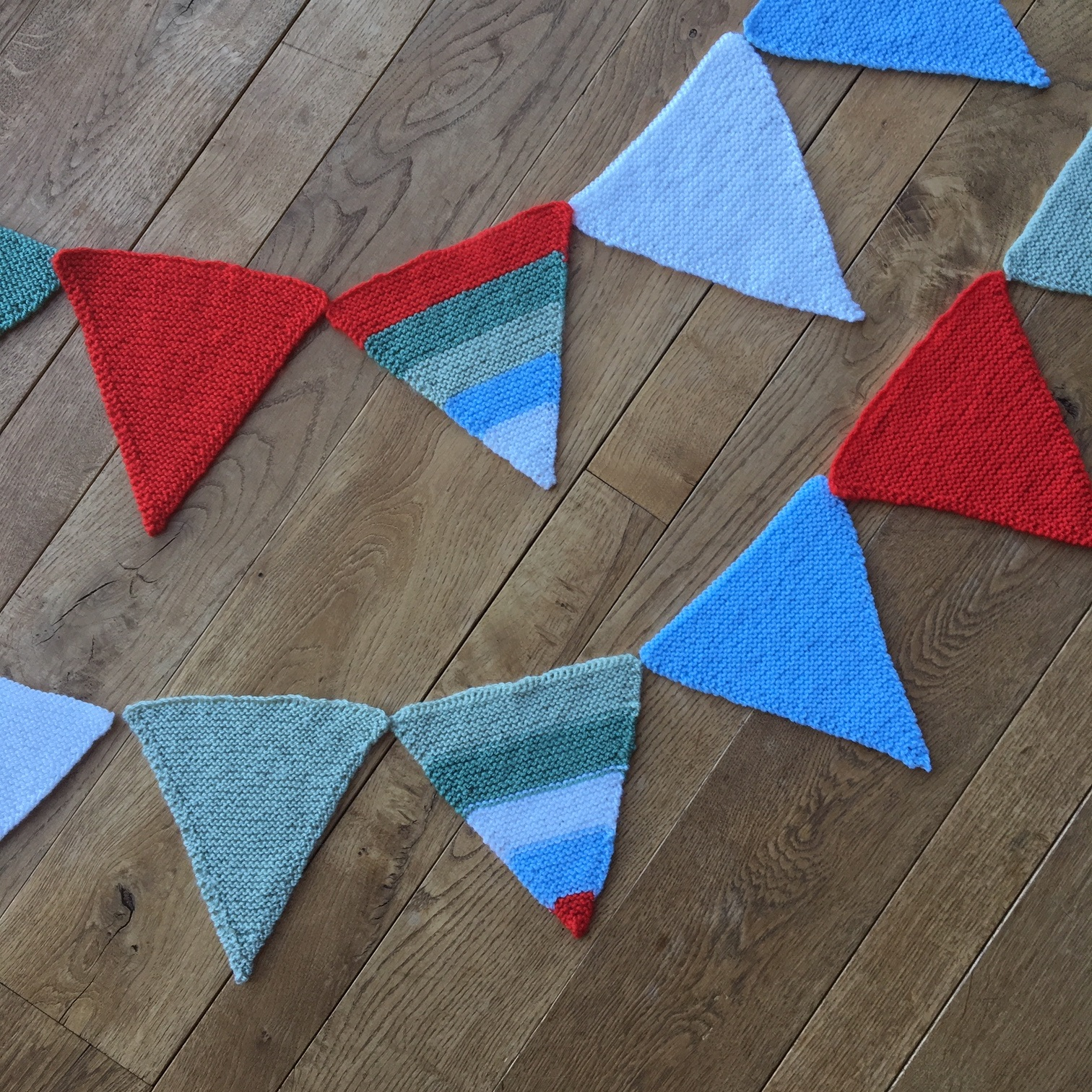 Valleyside Escapes bunting